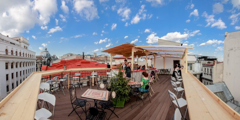 Pura-Vida-Sky-Bar-Hostel-Bucharest-83-e1437477536614